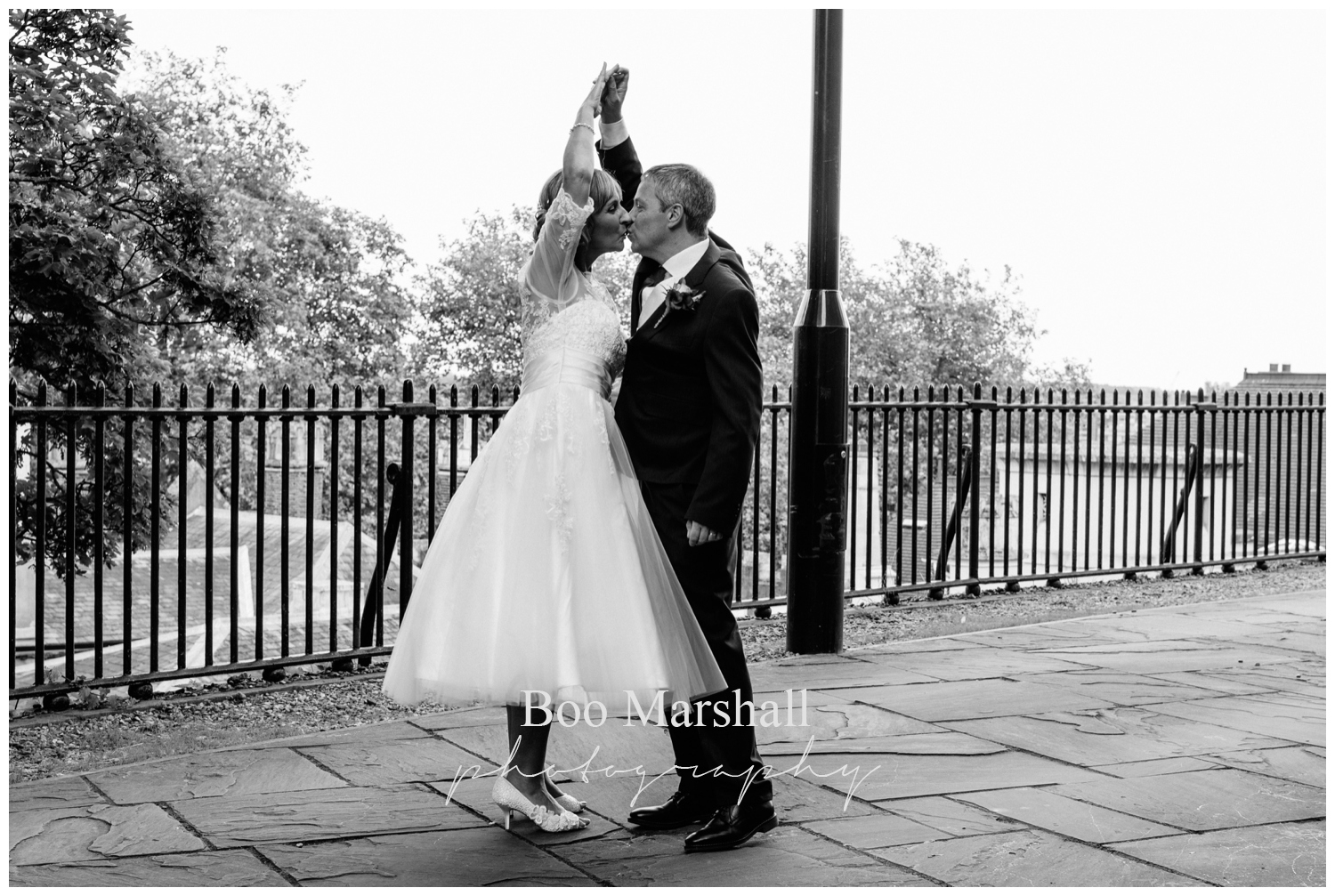 ian-and-steph-240_norwich-castle-small-wedding
